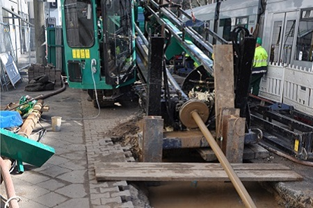 Pipe-laying methods - Mannesmann Line Pipe GmbH